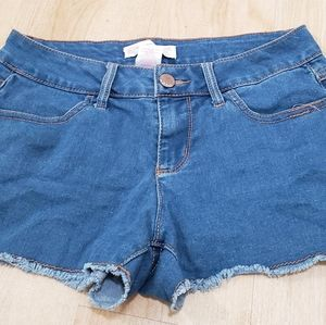 """""""No Boundries"""" Jean shorts size 9"""